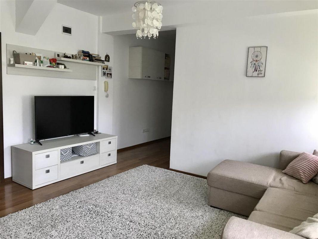 Apartament 4 camere la vila + gradina zona Dumbravita Negociabil - ID V342 2