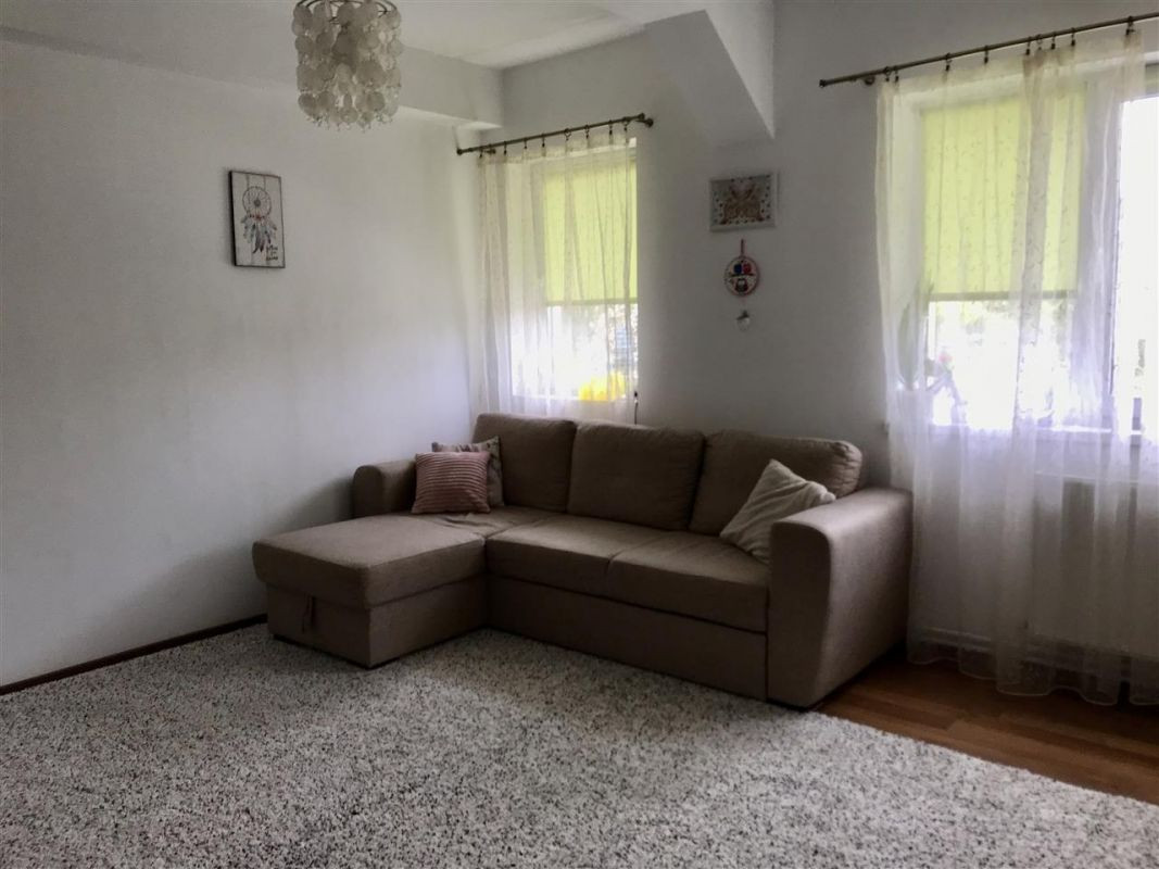 Apartament 4 camere la vila + gradina zona Dumbravita Negociabil - ID V342 3