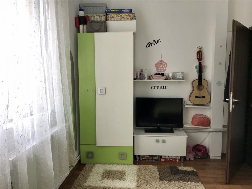Apartament 4 camere la vila + gradina zona Dumbravita Negociabil - ID V342 5