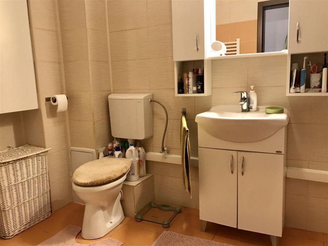 Apartament 4 camere la vila + gradina zona Dumbravita Negociabil - ID V342 13