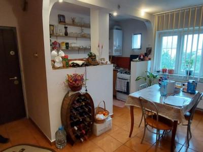 Apartament 2 camere, decomandat, zona Steaua - V2504
