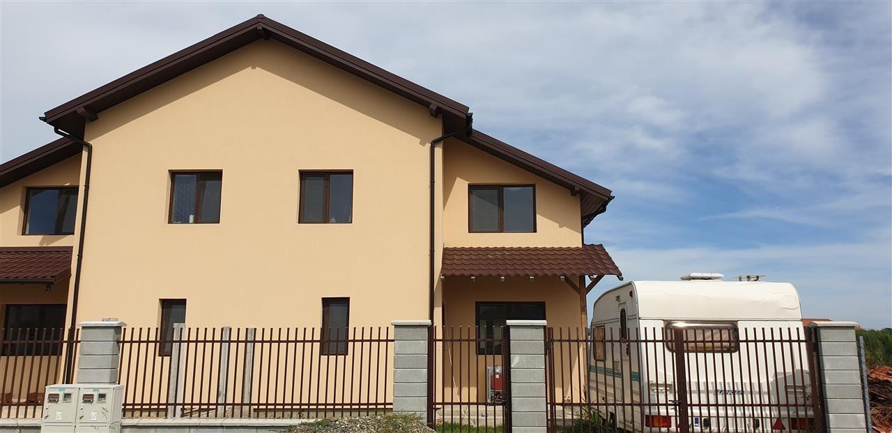 Casa tip duplex 4 camere de vanzare Mosnita Noua - ID V435 1