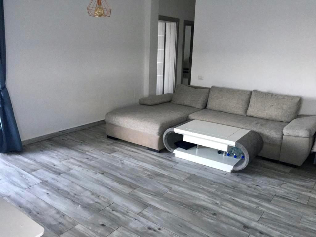 Apartament 3 camere de vanzare + gradina zona Dumbravita - ID V323 3