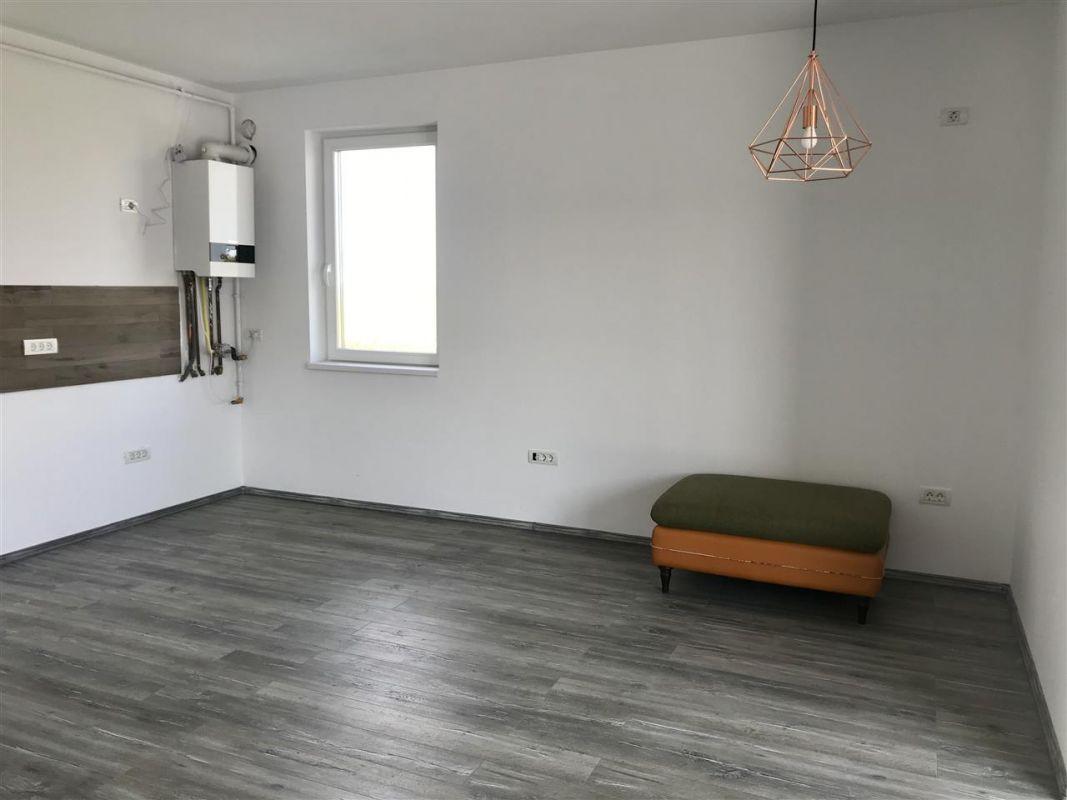 Apartament 3 camere de vanzare zona Dumbravita - ID V305 2