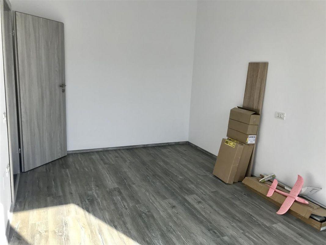 Apartament 3 camere de vanzare zona Dumbravita - ID V305 8