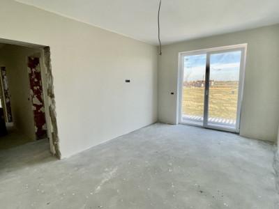 Apartament cu 2 camere, decomandat in giroc - Cartier Planete