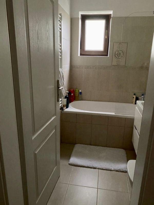 Apartament 3 camere de vanzare Dumbravita Negociabil - ID V301 11