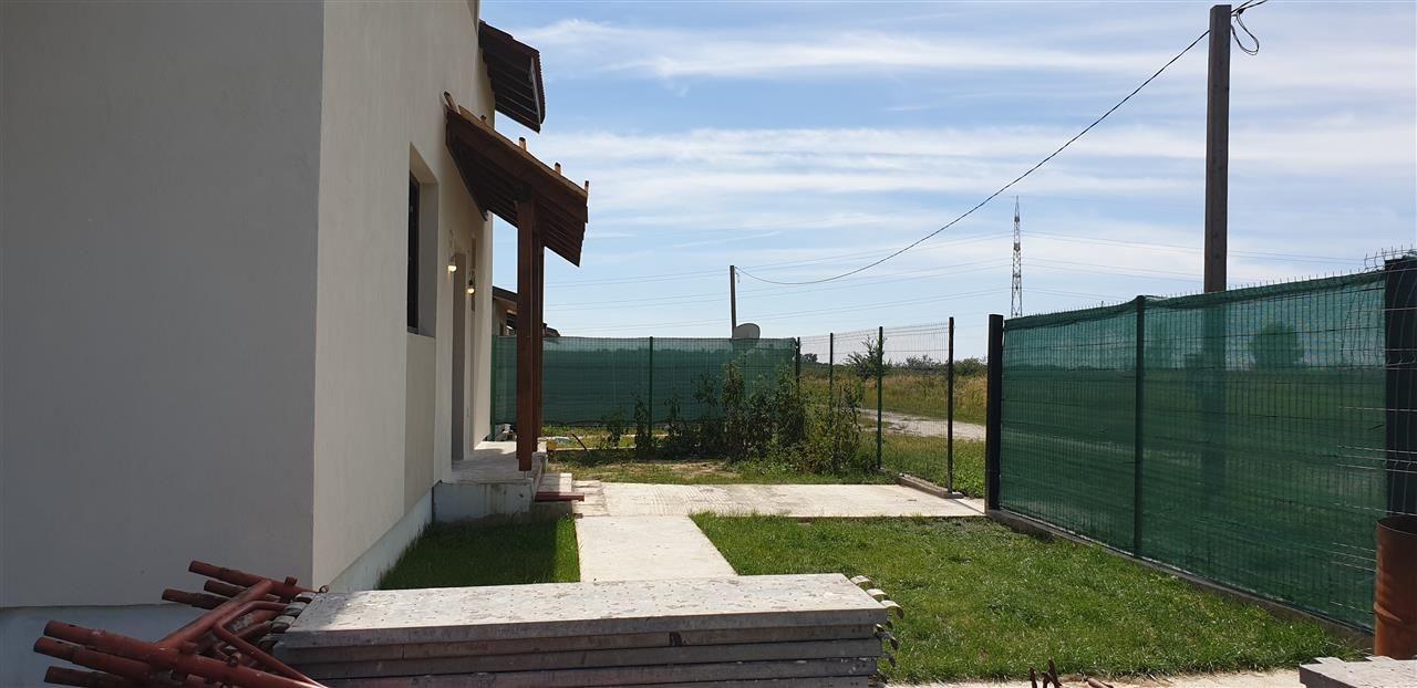 Casa tip duplex 5 camere de vanzare Mosnita Noua - ID V434 2