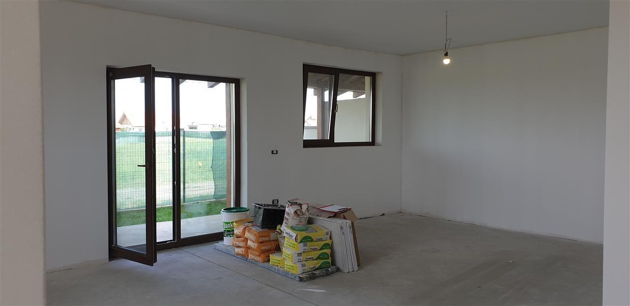 Casa tip duplex 5 camere de vanzare Mosnita Noua - ID V434 6