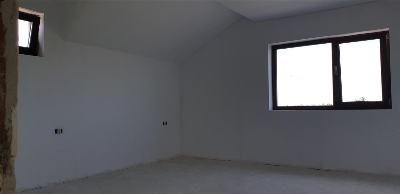 Casa tip duplex 5 camere de vanzare Mosnita Noua - ID V434 12