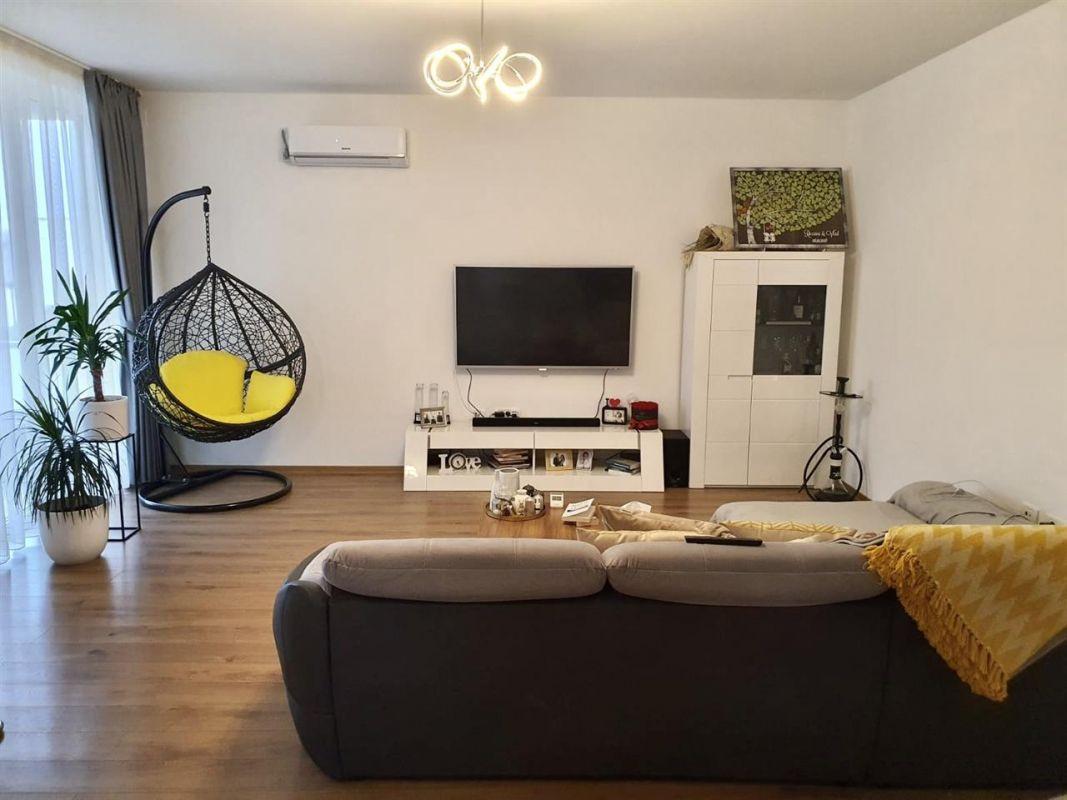 Apartament 3 camere de vanzare Dumbravita Negociabil - ID V299 3