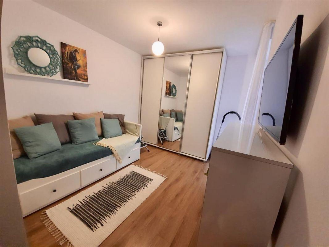 Apartament 3 camere de vanzare Dumbravita Negociabil - ID V299 6