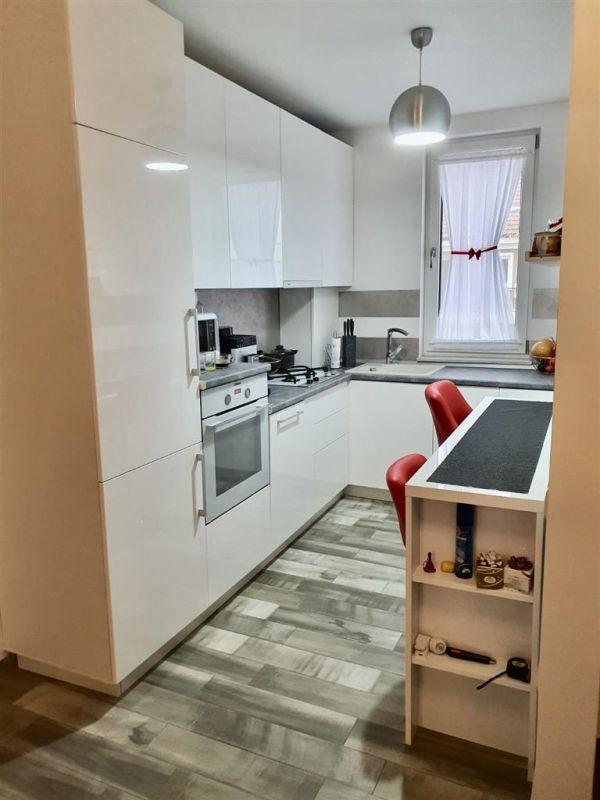 Apartament 3 camere de vanzare Dumbravita Negociabil - ID V299 8