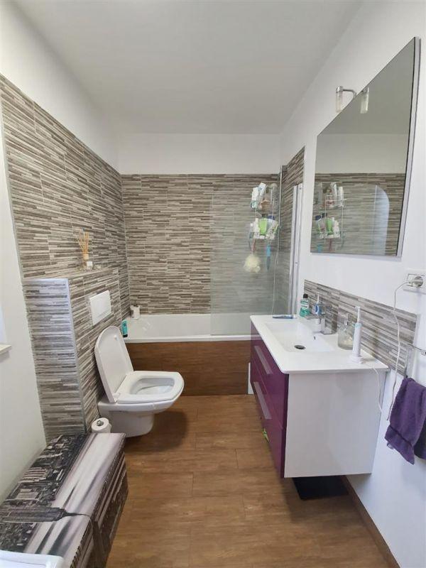 Apartament 3 camere de vanzare Dumbravita Negociabil - ID V299 9