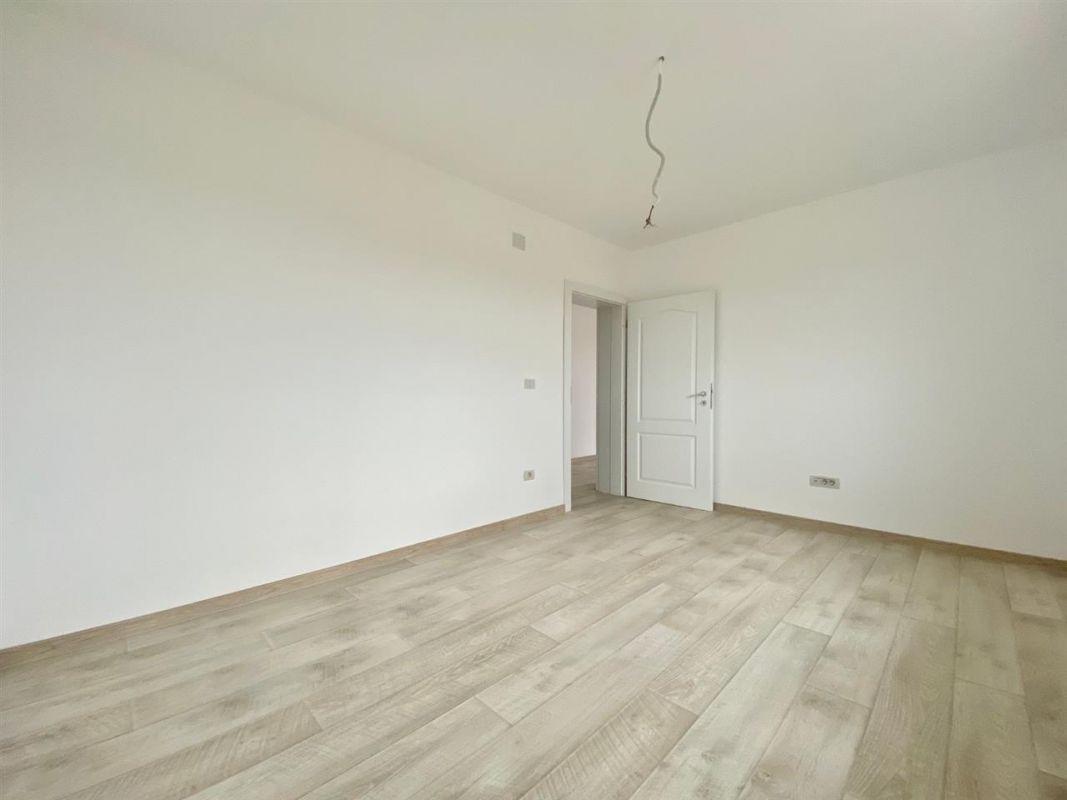 Apartament Smart 3 camere de vanzare Giroc zona centrala - ID V216 2