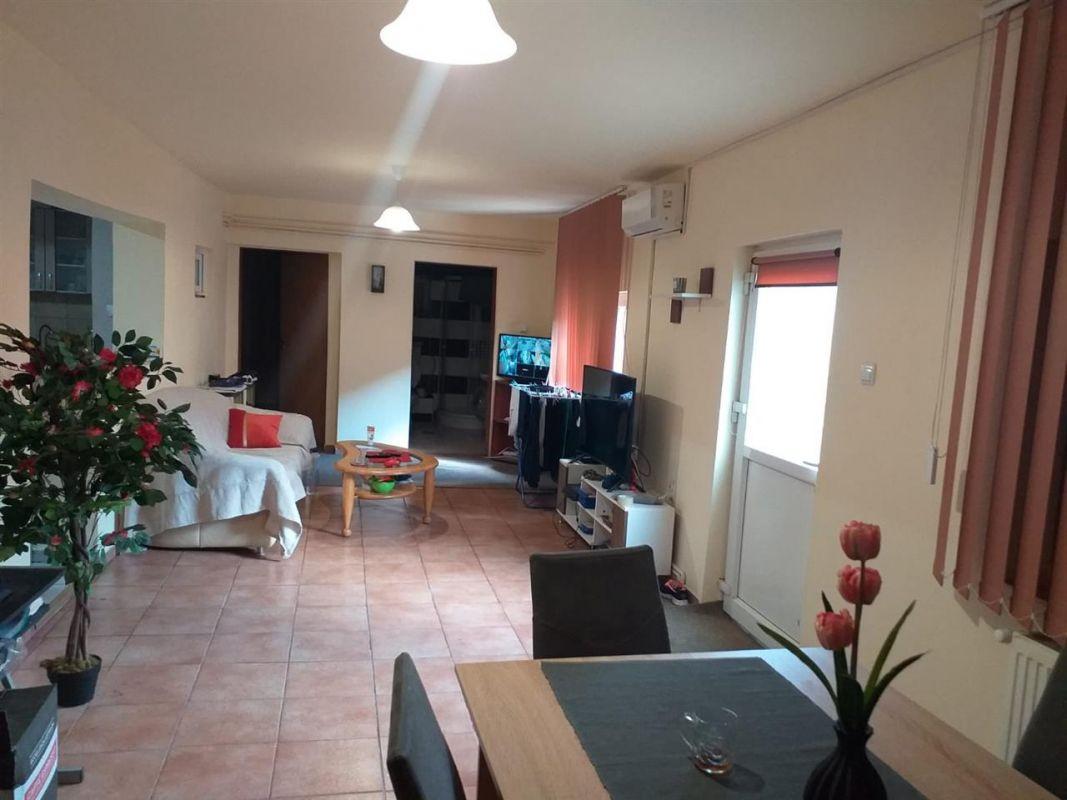 Casa individuala 5 camere de vanzare Ciarda Rosie - ID V213 11