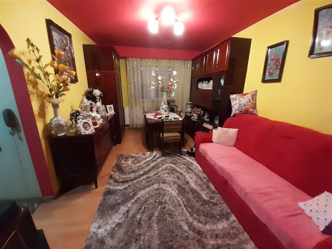 Apartament 3 camere de vanzare zona Lipovei - ID V212 1