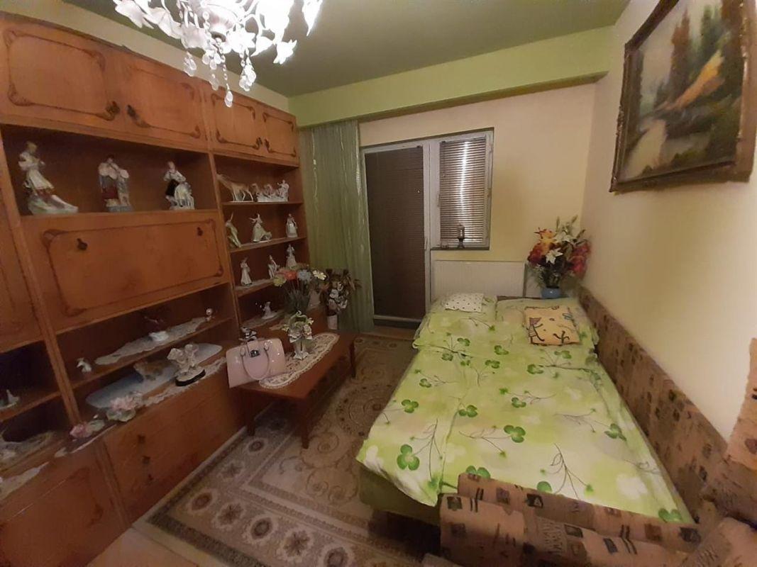 Apartament 3 camere de vanzare zona Lipovei - ID V212 3