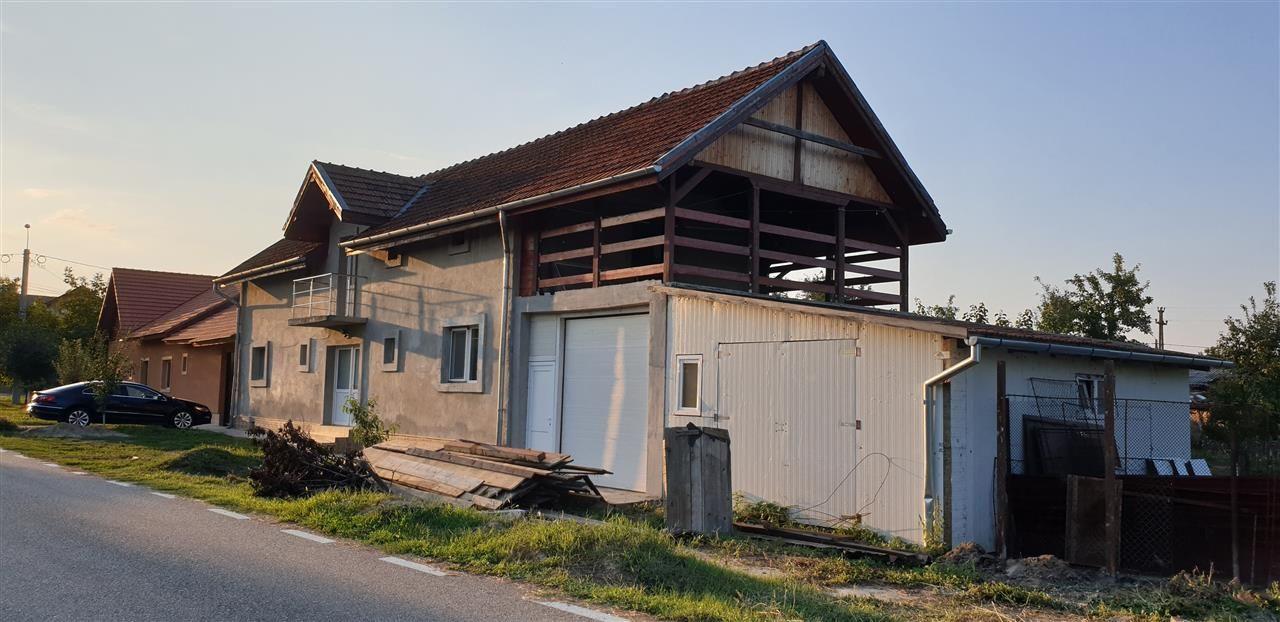 Casa Individuala 6 camere de vanzare Mosnita Noua - ID V426 2