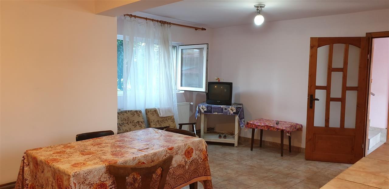 Casa Individuala 6 camere de vanzare Mosnita Noua - ID V426 10