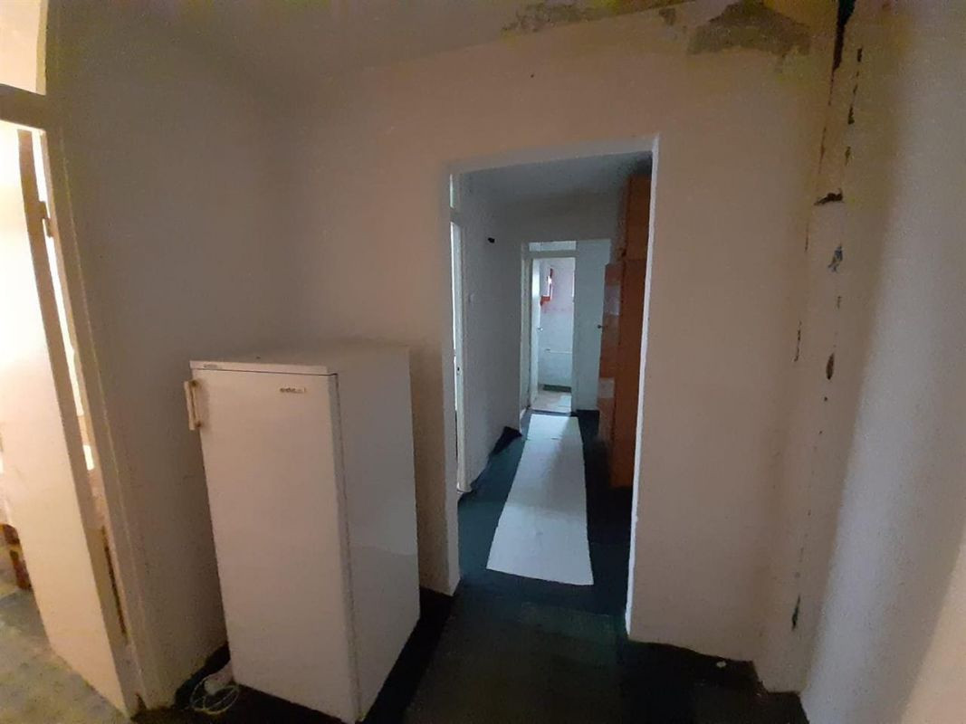 Apartament 3 camere de vanzare Aradului - ID V195 4