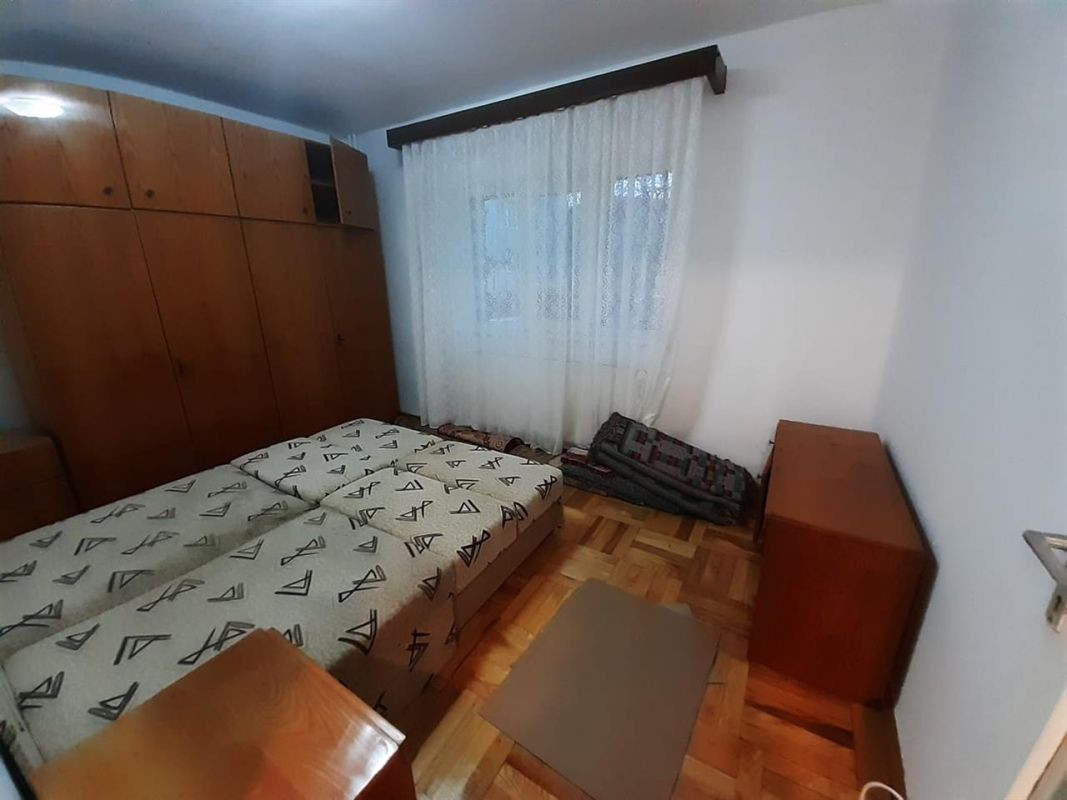 Apartament 2 camere de vanzare zona ARADULUI - ID V190 2