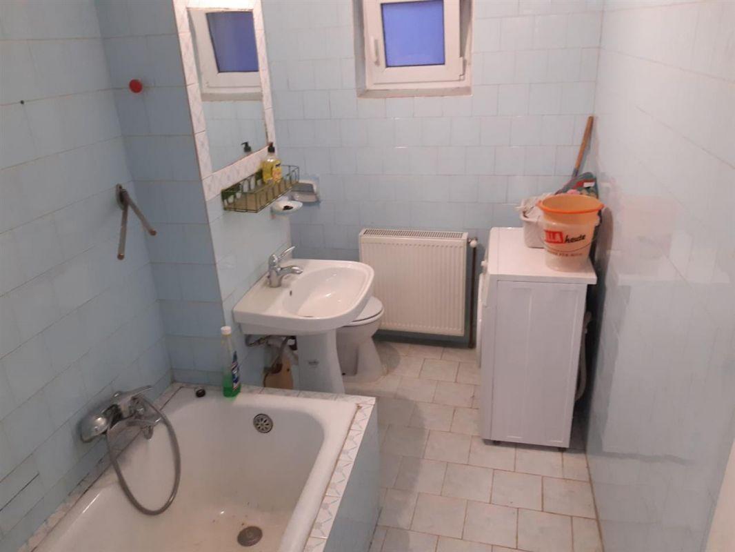 Apartament 2 camere de vanzare zona ARADULUI - ID V190 7