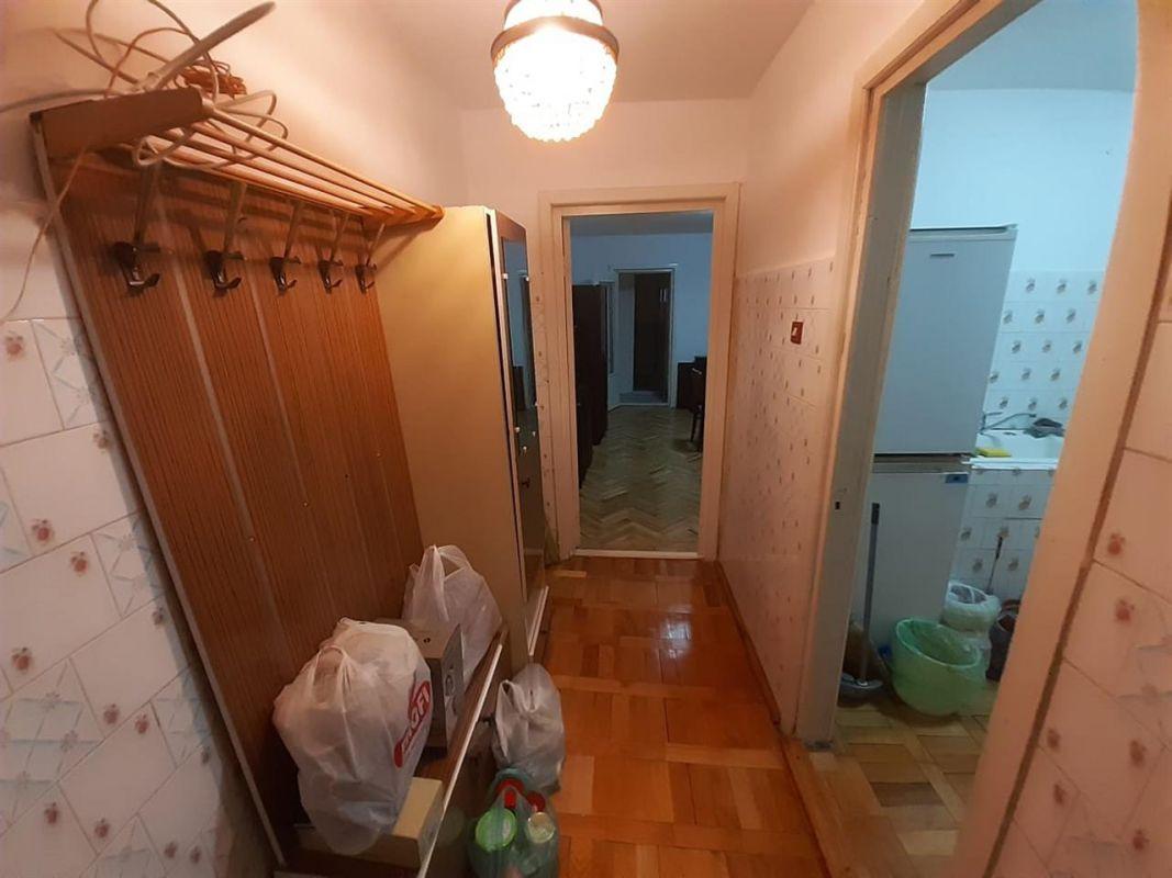 Apartament 2 camere de vanzare zona ARADULUI - ID V190 9