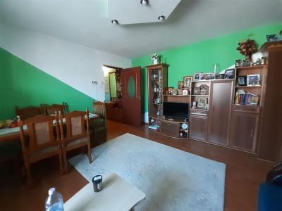 Apartament 3 camere de vanzare zona LIPOVEI - ID V187