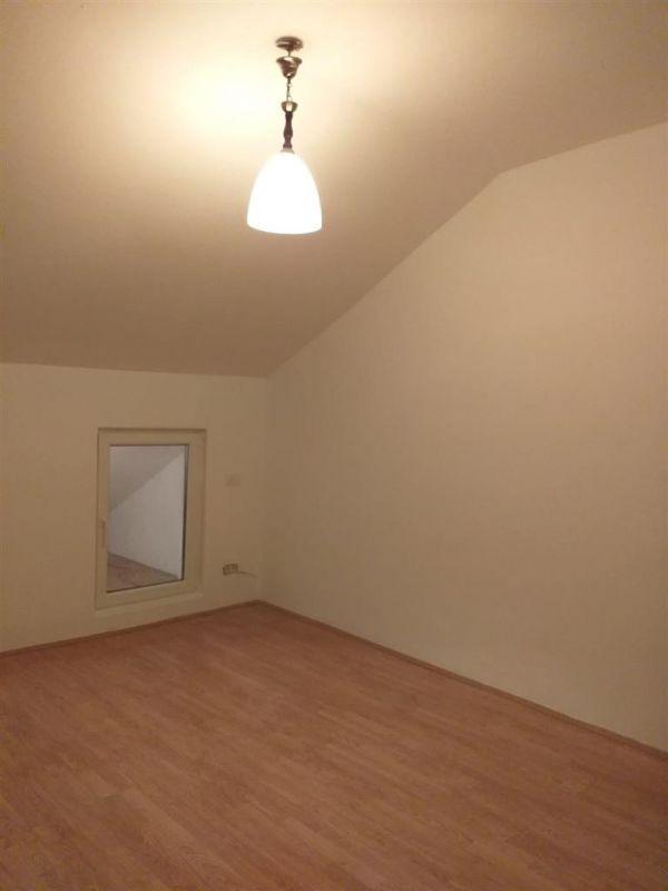 Apartament 2 camere de vanzare Fratelia - ID V167 5