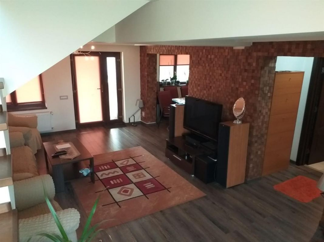 Casa 6 camere de vanzare Zona Sag - ID V155 3