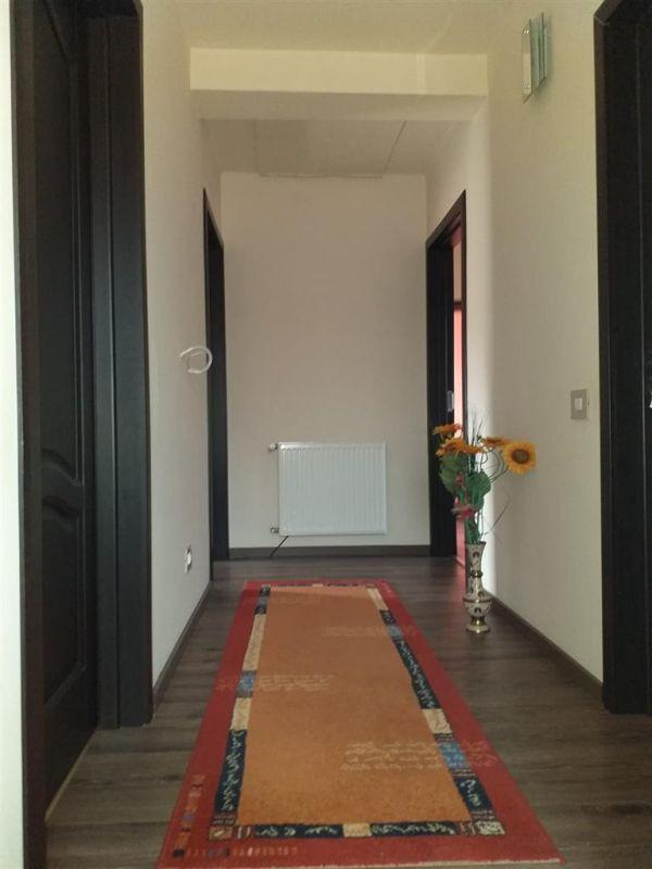 Casa 6 camere de vanzare Zona Sag - ID V155 8