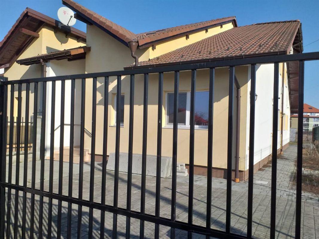 Casa 4 camere de vanzare Zona Ciarda Rosie - ID V151 19