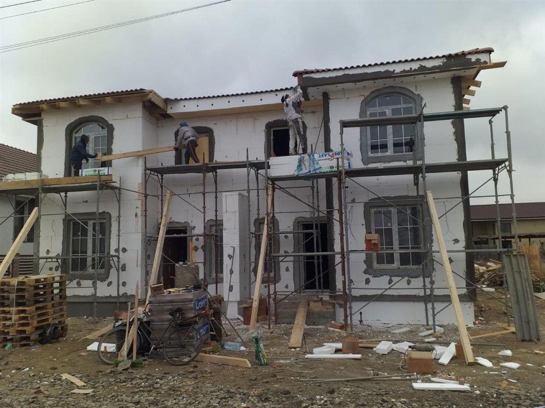 Casa tip duplex 5 camere de vanzare in Mosnita Noua 1