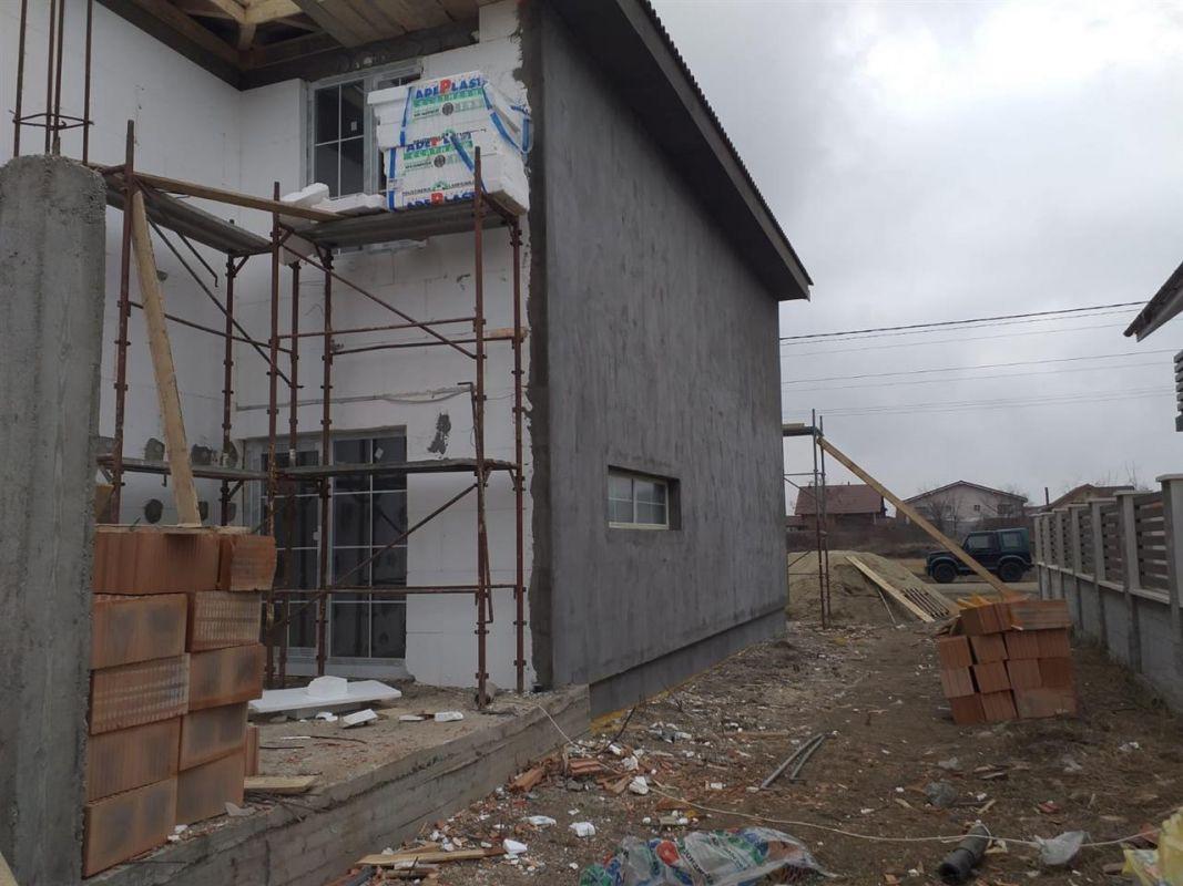 Casa tip duplex 5 camere de vanzare in Mosnita Noua 2
