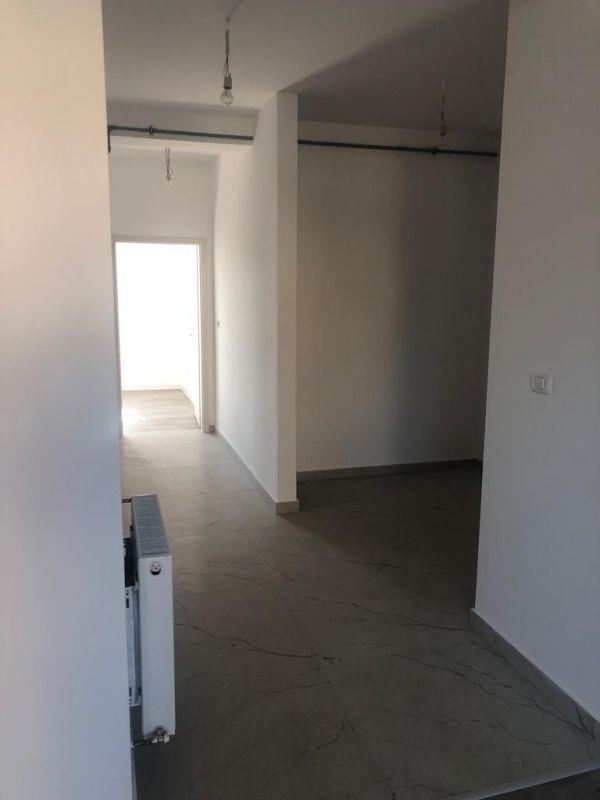 1 camere + terasa de vanzare in GIROC- ID V98 14
