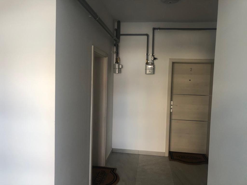 1 camere + terasa de vanzare in GIROC- ID V98 15