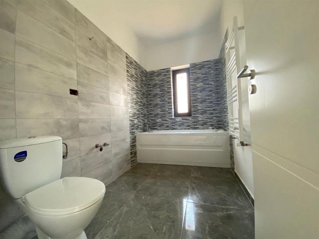 Apartament 3 camere de vanzare in GIROC - ID V19 16