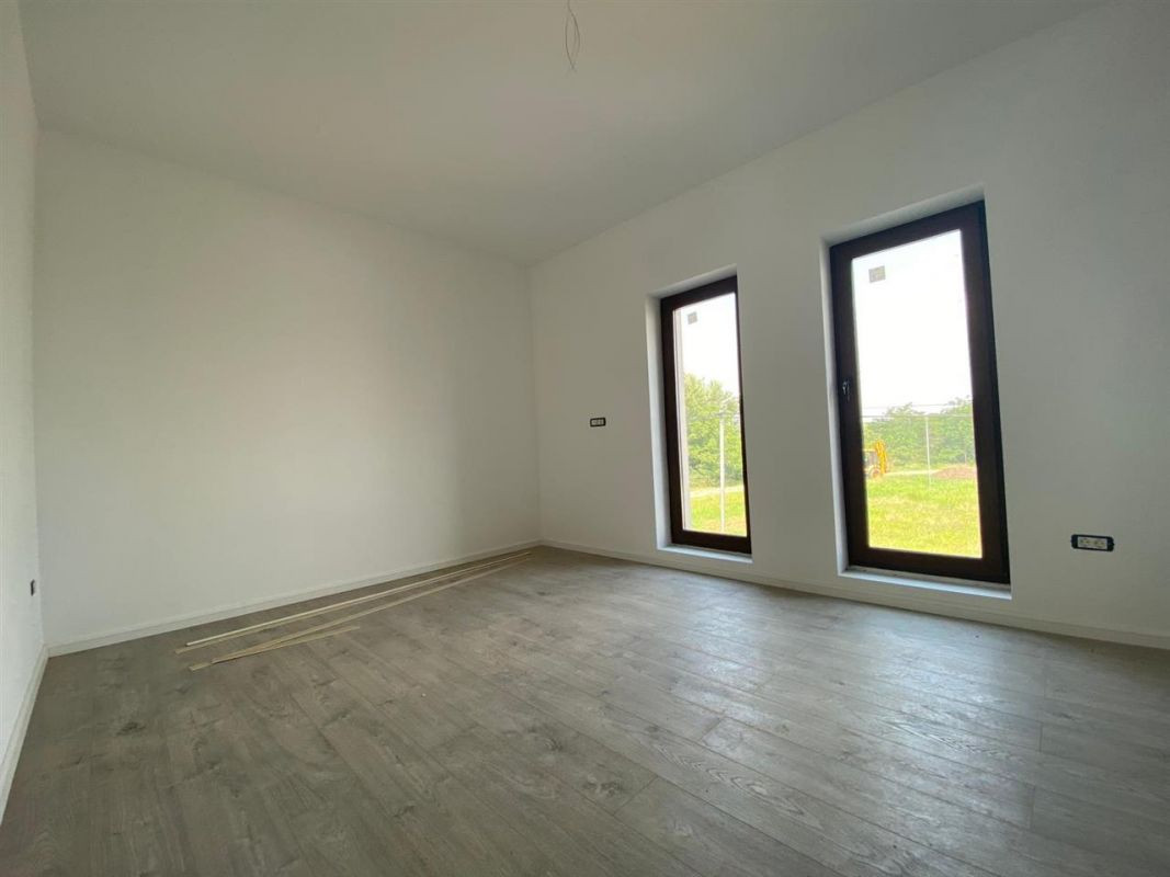 Apartament 2 camere INTABULAT in GIROC - ID V18 8