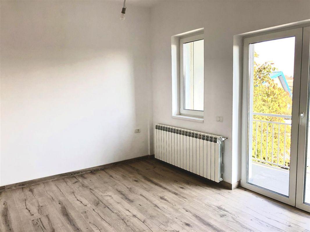Apartament 3 camere de vanzare zona LUNEI- ID V14 1