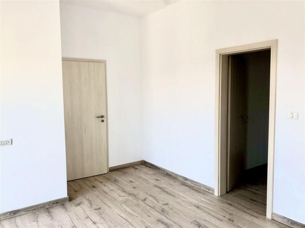 Apartament 3 camere de vanzare zona LUNEI- ID V14 2