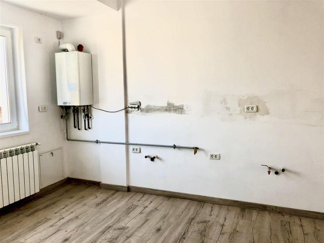 Apartament 3 camere de vanzare zona LUNEI- ID V14 3