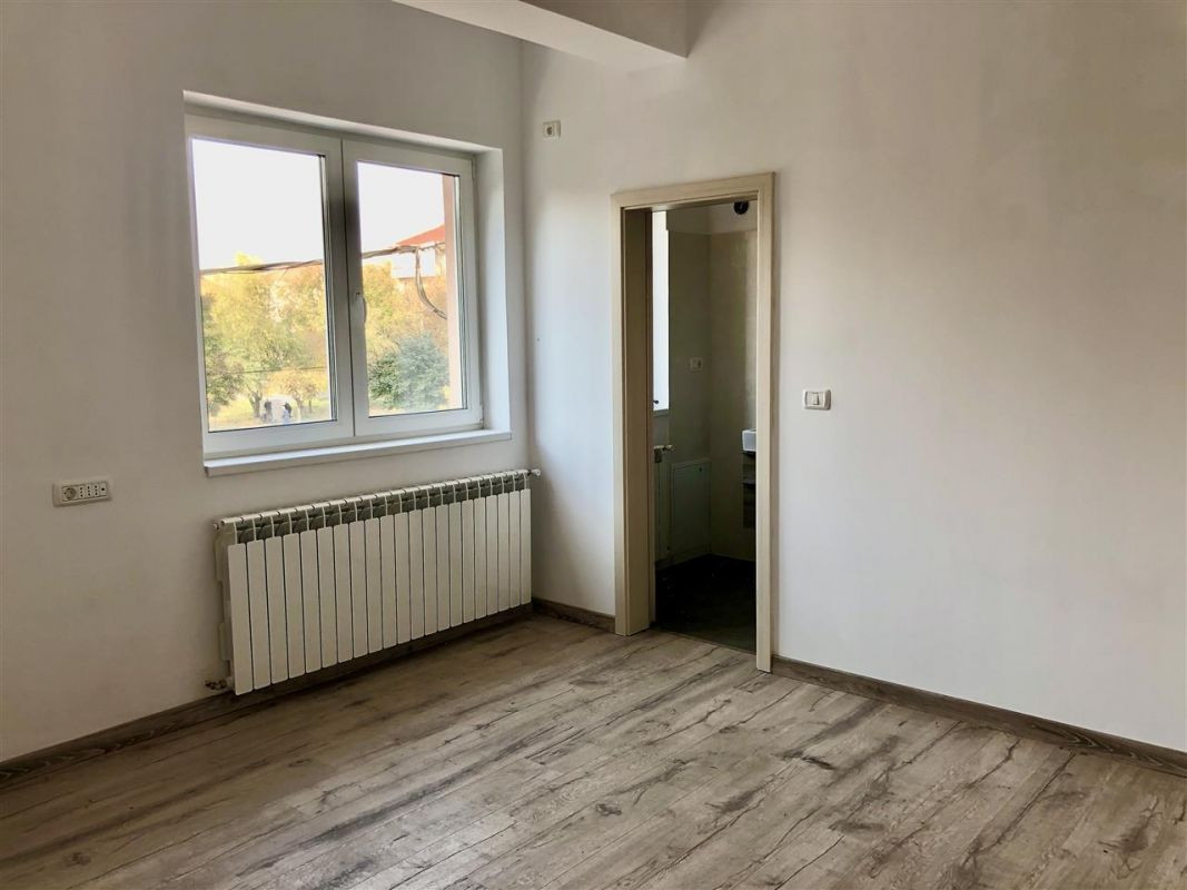 Apartament 3 camere de vanzare zona LUNEI- ID V14 4