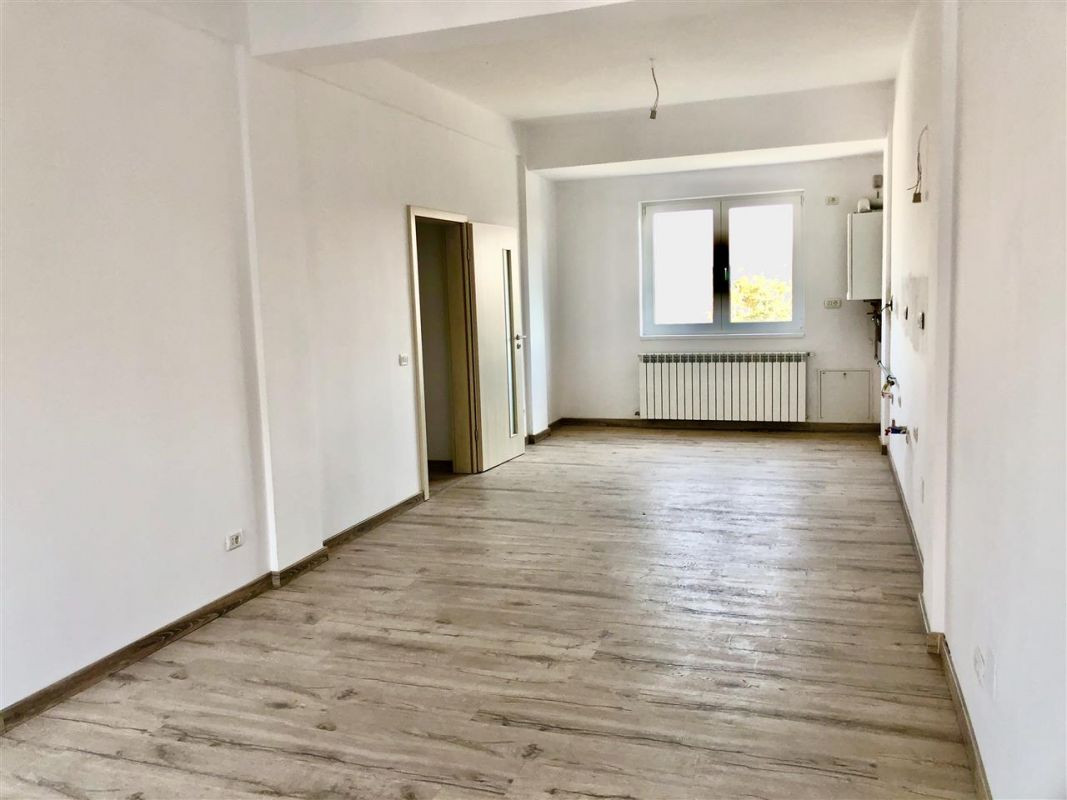 Apartament 3 camere de vanzare zona LUNEI- ID V14 6