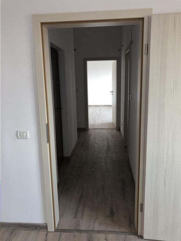 Apartament 3 camere de vanzare zona LUNEI- ID V14 10