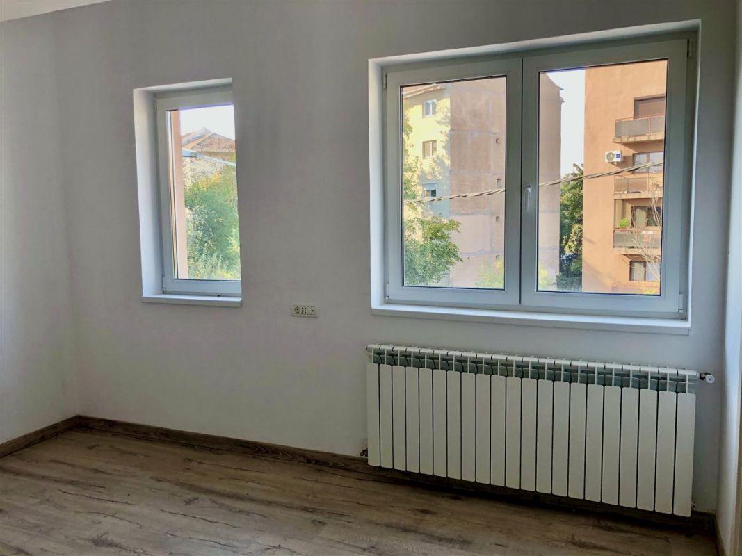 Apartament 3 camere de vanzare zona LUNEI- ID V14 13
