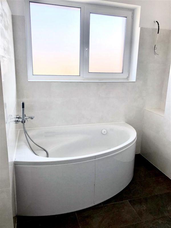 Apartament 3 camere de vanzare zona LUNEI- ID V14 15
