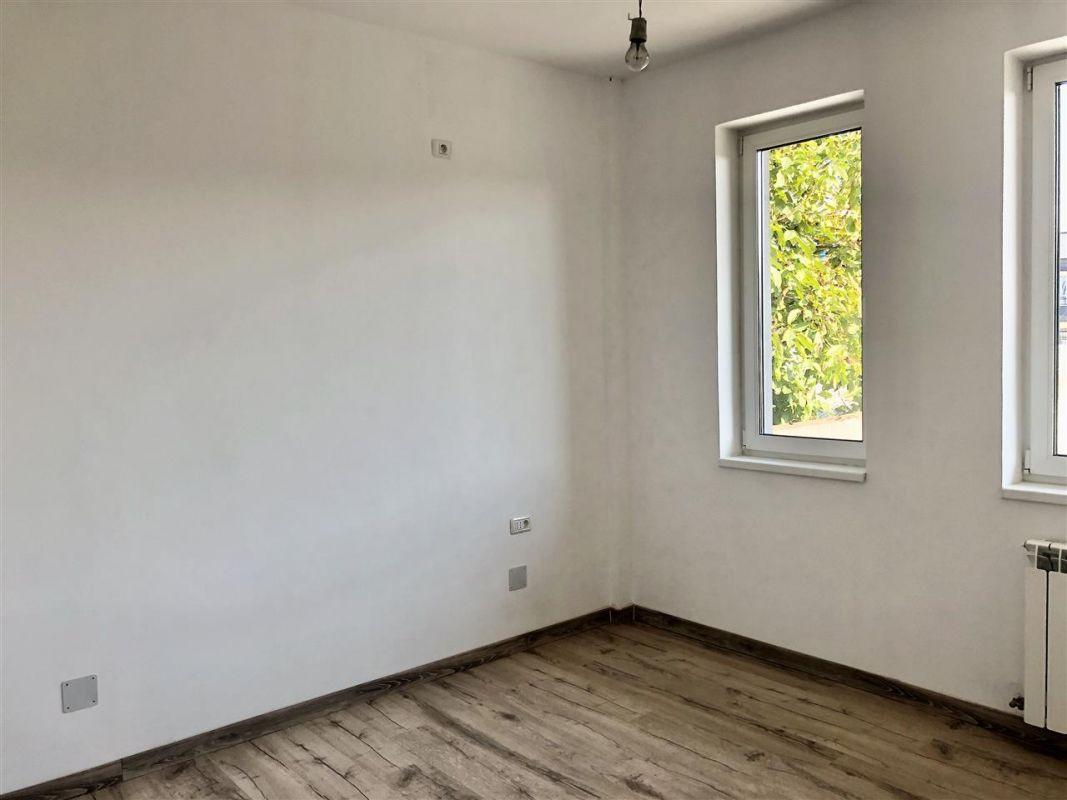 Apartament 1 camera de vanzare zona LUNEI - ID V12 3