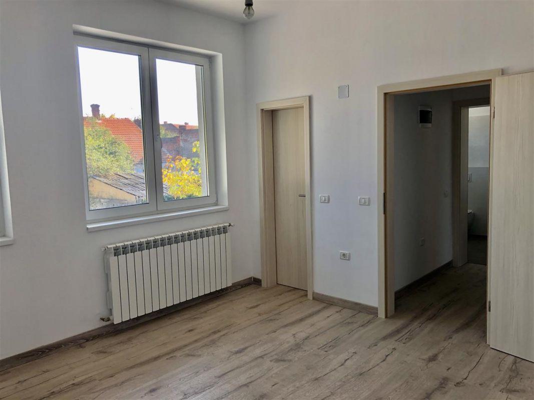 Apartament 1 camera de vanzare zona LUNEI - ID V12 5