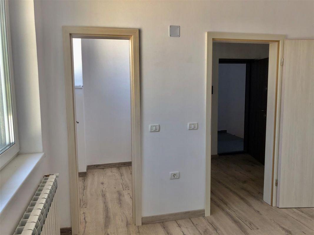 Apartament 1 camera de vanzare zona LUNEI - ID V12 10